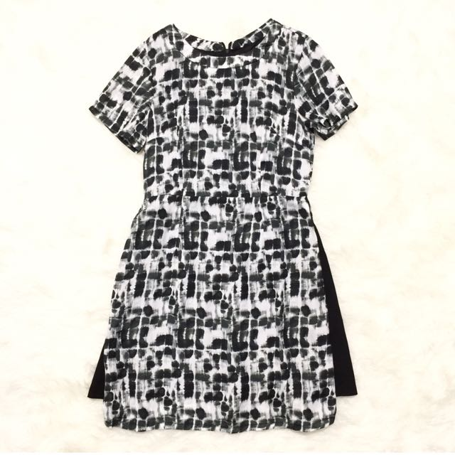 Dresabelle Abstract Dress