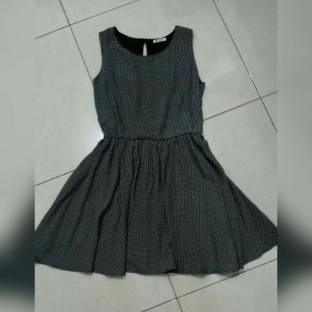 Dress Monochrome