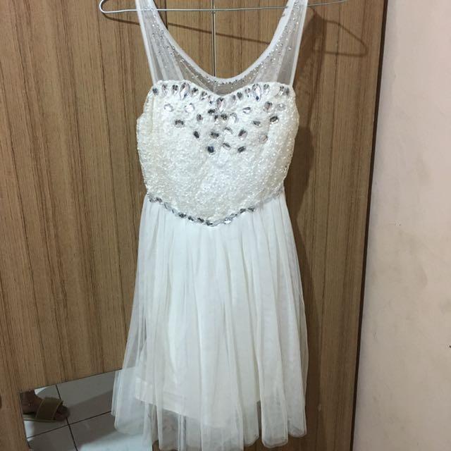 Dress Pesta Putih Cup Women S Fashion Women S Clothes Dresses