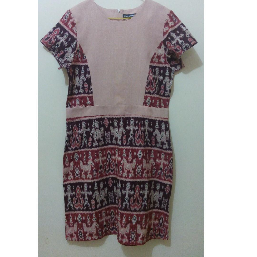 Dress selutut corak batik