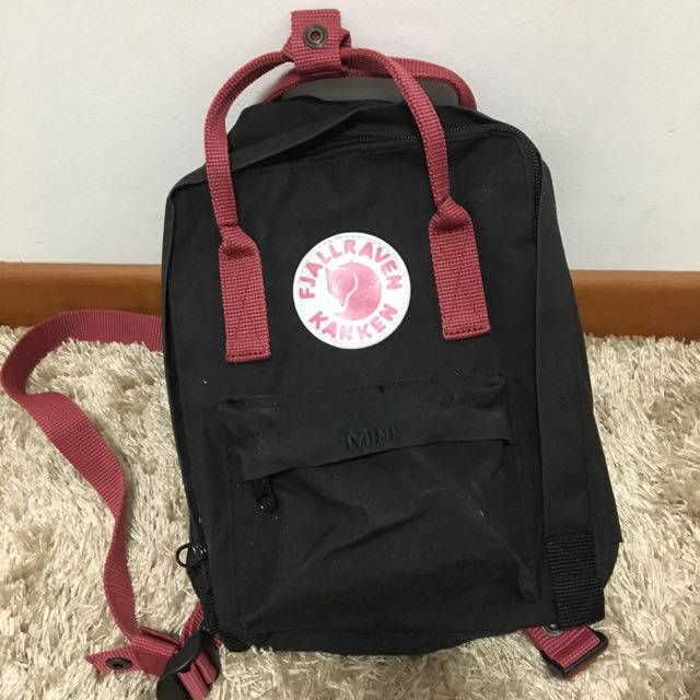 e26fedacb Fjallraven Kanken Mini Backpack (Black / OX-Red), Women's Fashion ...
