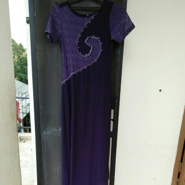 Gaun Panjang Ungu
