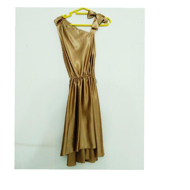 GOLD DRESS -