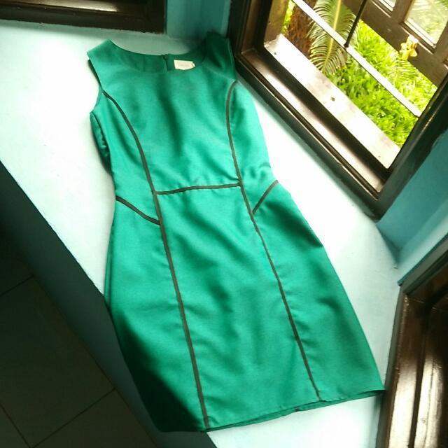Green Dress - Gaudi