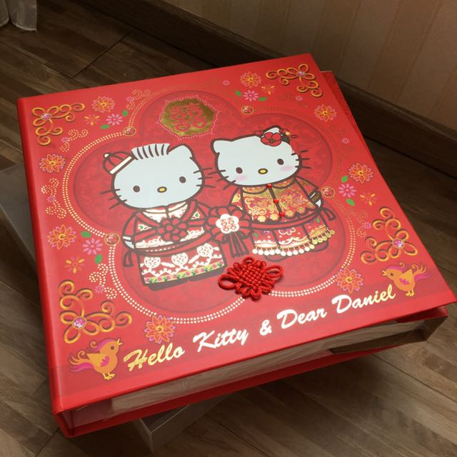 Hello Kitty Wedding Photo Album