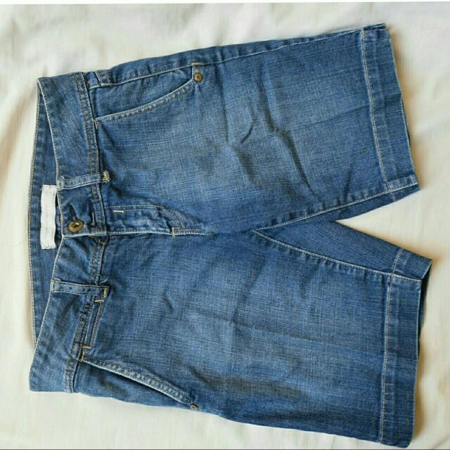 Jeanswest Pendek