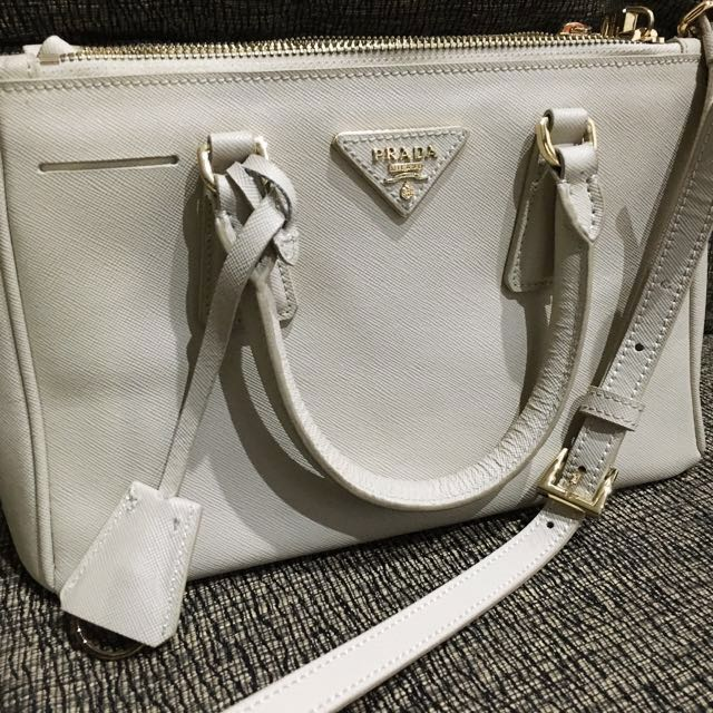 Jual Tas Kulit Asli import Impor Handbag Leather Bag Prada Saffiano Mini Mirror Quality Size 25 Kualitas Premium Warna Cream