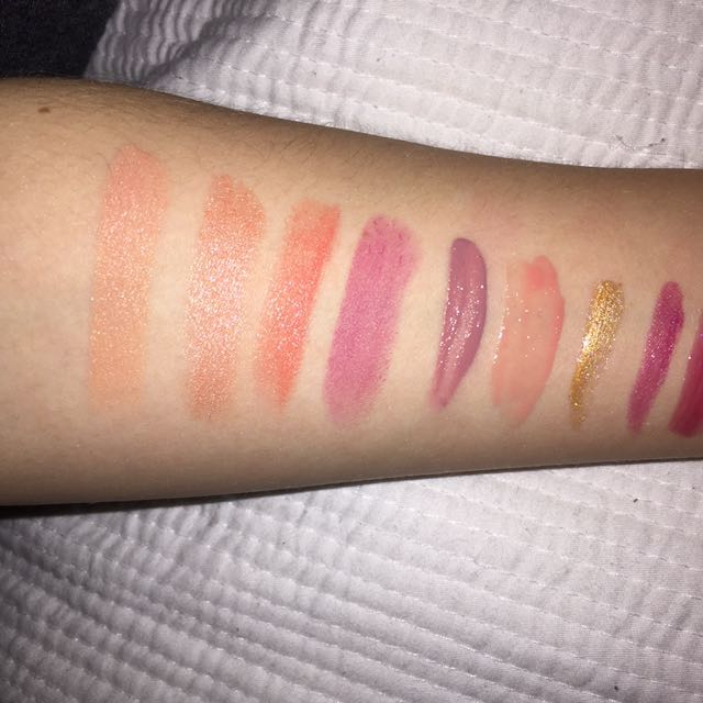Lipsticks/Lip Glosses