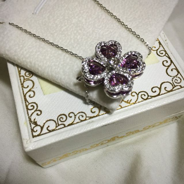 Nina Queen Swarovski Clover Necklace