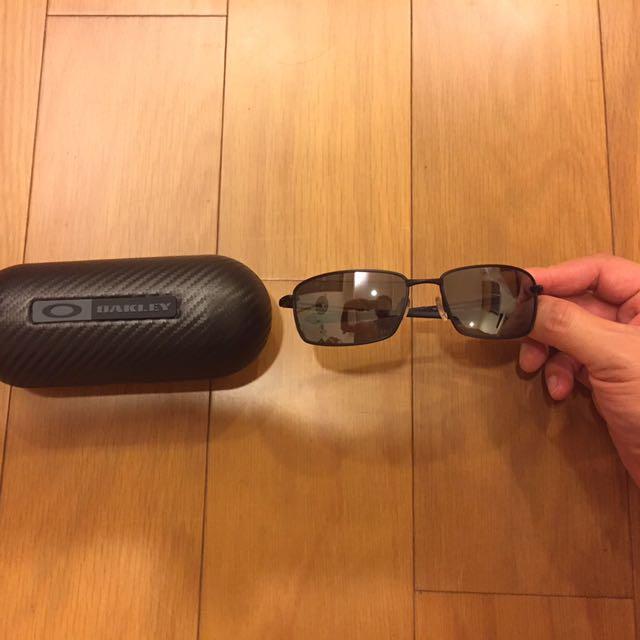 OAKLEY 超輕量墨鏡(偏光鏡片)