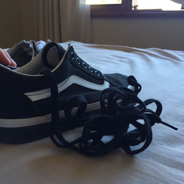 Old Skool Vans (authentic)