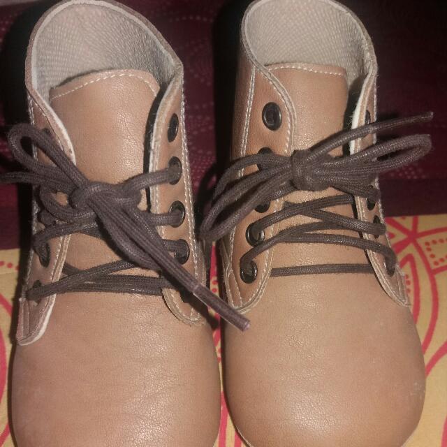 Preloved Prewalker Shoes freddie The Frog