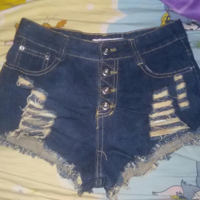2 For 380pesos Only Preloved HW Shorts
