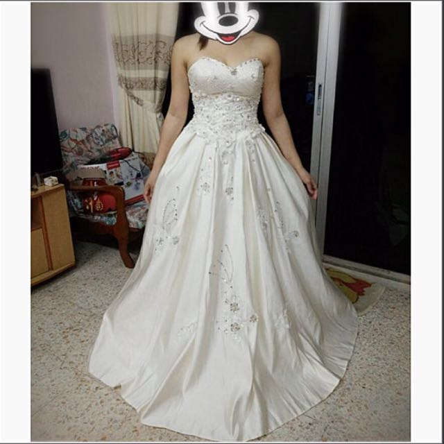 Pre-owned Wedding Gown, Women\'s Fashion, Clothes, Others on Carousell