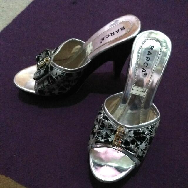 Sandal Hells Cantik
