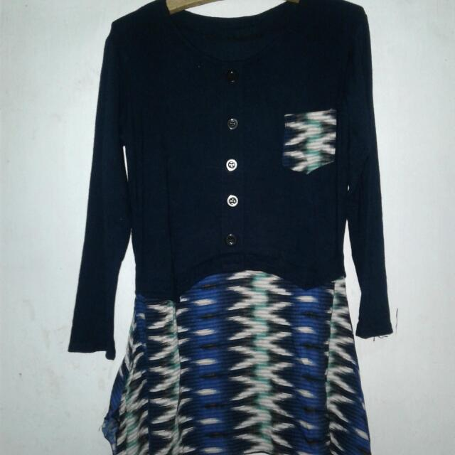 Semi Dress Biru Dongker, Motif Batik Bagian Bawah