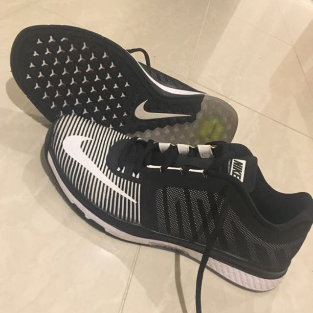 Size 8 Nike Zoom Speed