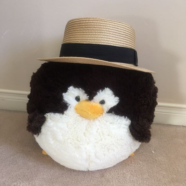 Straw Hat With Subtle Black Bow