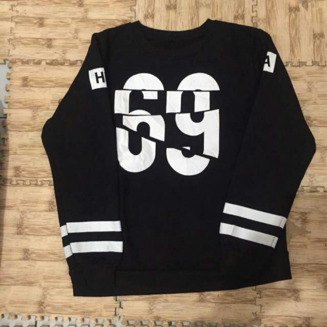 Sweater Size M