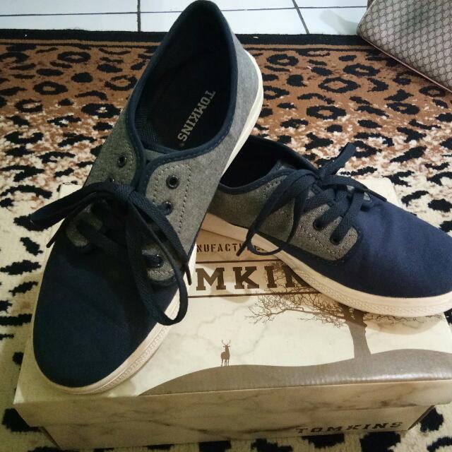 Tomkins Navy Blue