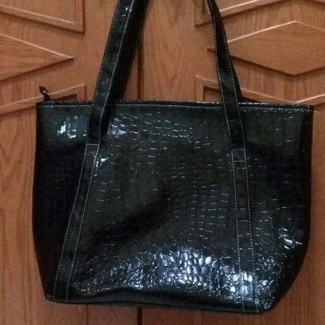 Tote Bag Hitam