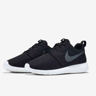 Nike Roshe Run (Authentic)
