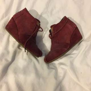 TOMS Burgundy Wedges