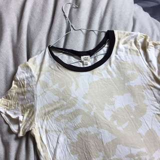 Aritzia Printed Tshirt