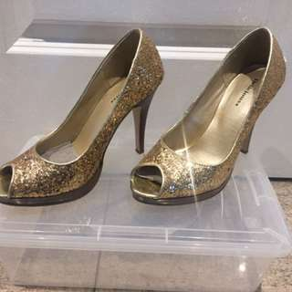 Peep  Toe Gold Stilettos