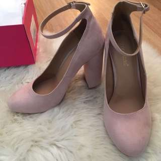 Nude Pump (Brand new)