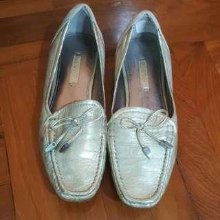 Ecco金色休閒鞋