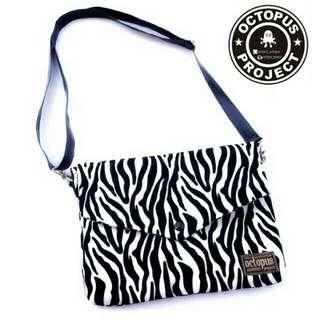 Clutch Zebra