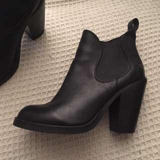 Windsor Smith Black Boots Sz8.5