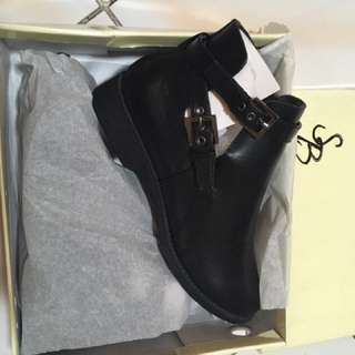 REPRICED Something Borrowed Boots