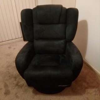 Winged Recliner / Armchair
