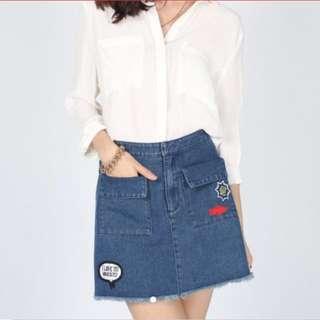 BNWT LB Ellecia Patch Denim Skirt