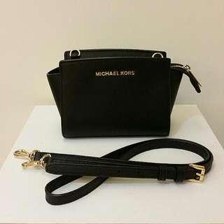 Michael kors 黑金小包