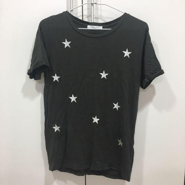 深灰色星星踢