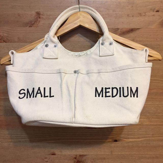🇯🇵購買 白米色硬版帆布多夾層包