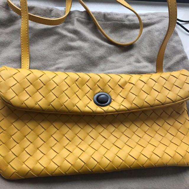 真品 BV全新真皮編織亮黃色斜背小包