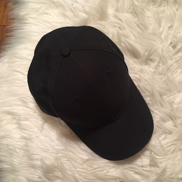 Aritiza Black Hat