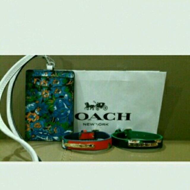 Authentic/Original Coach Tag Holder + 2 Bracelet