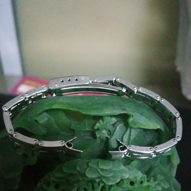 Brand New Lady SS Bracelet Stretchable Very Rare.