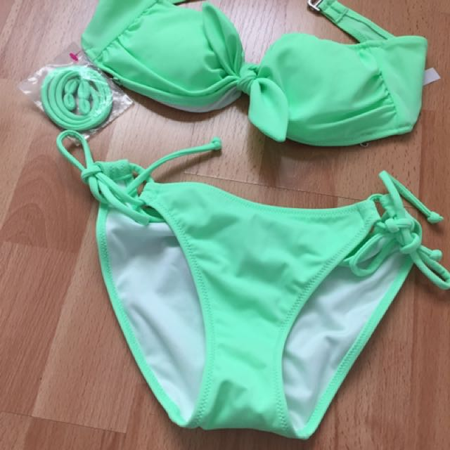 Brand New Victoria Secret Bandeau Mint Bikini