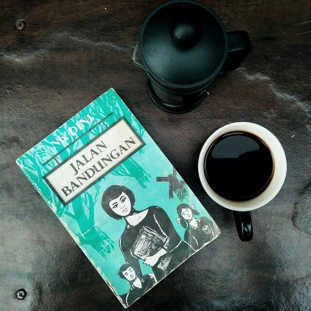 Buku Novel Jalan Bandungan Oleh Nh. Dini