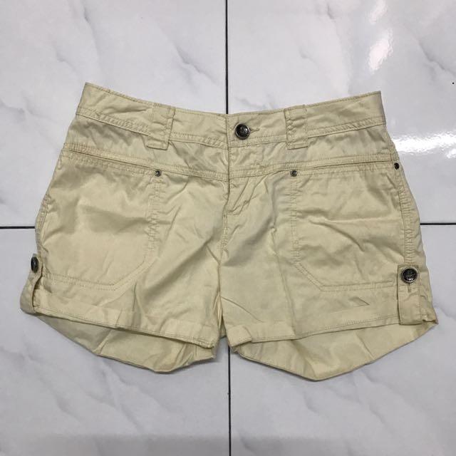 china yellow pants