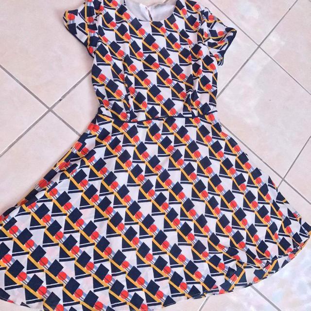 Dress Fits Small To Medium