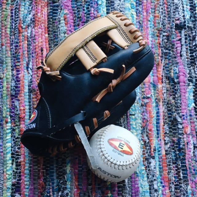 EASTON Softball & Mitt