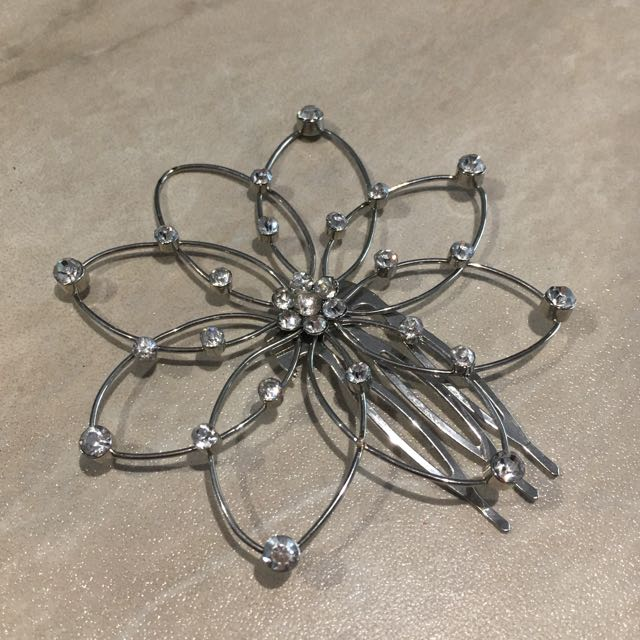 Floral Gemstone Hair Accessory