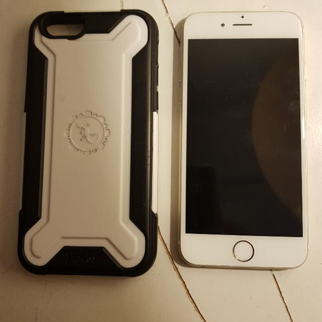 IPHONE 6 64GB WITH FREE GECKO CASE!